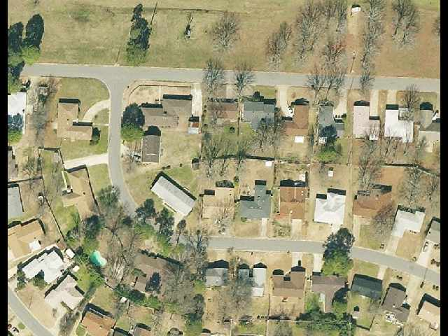 Satellite Image of a neighborhood.